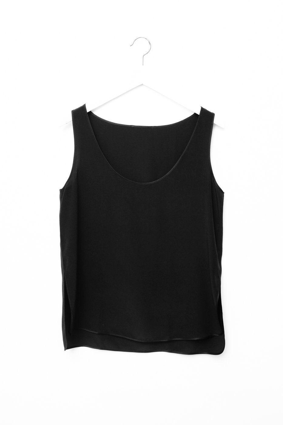 0495_SILK BLACK PURISTIC MINIMAL TOP