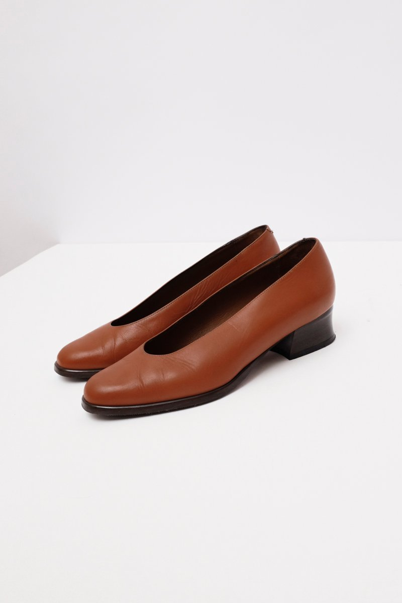 0253_BROWN LEATHER VINTAGE PUMPS 38