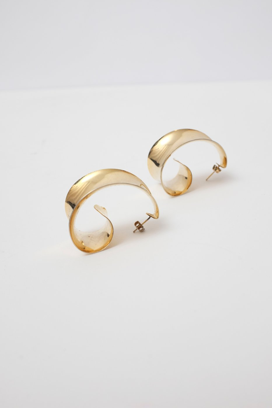 0282_VINTAGE BOLD GOLD EARRINGS