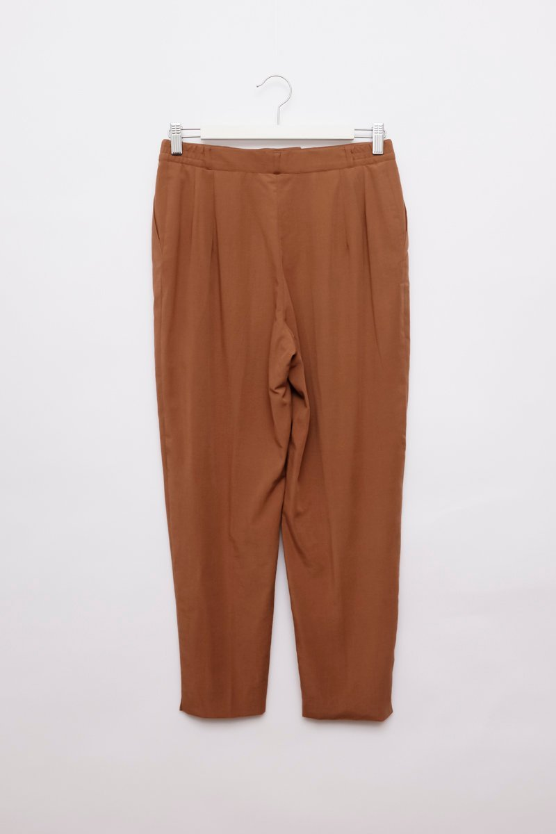 0255_LIGHT BROWN CARROT PANTS