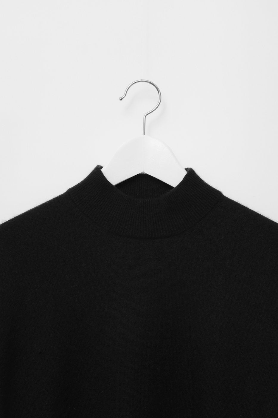 0279_CASHMERE SILK BLACK MOCK NECK KNIT