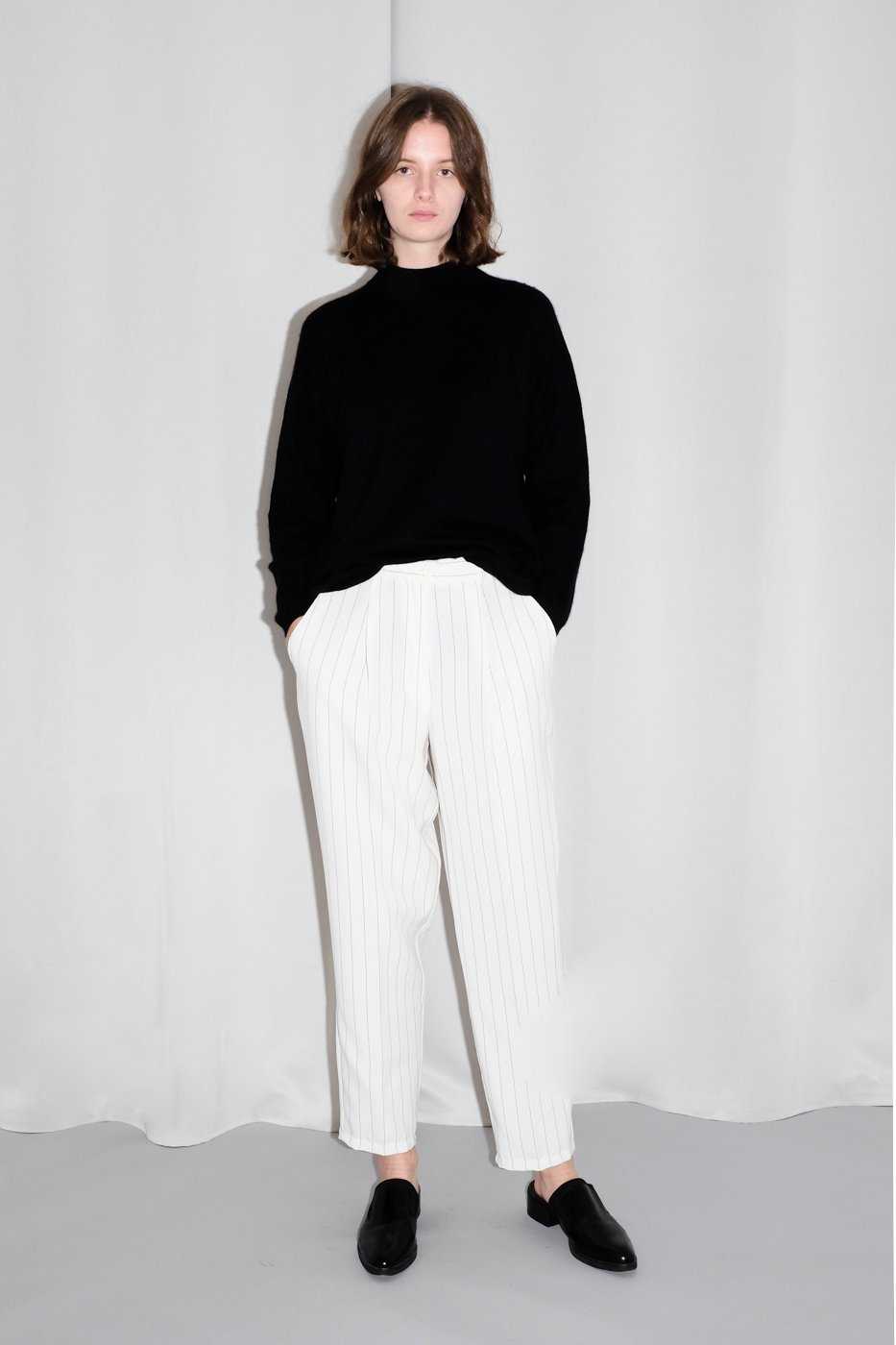 0154_WHITE PINSTRIPES TROUSERS
