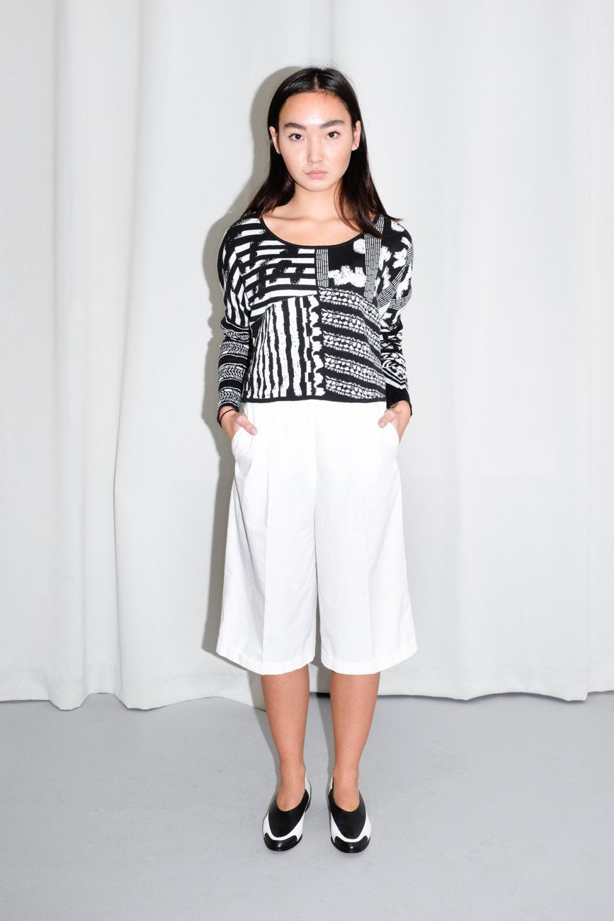 0661_LALA BERLIN BLACK WHITE CROPPED JUMPER