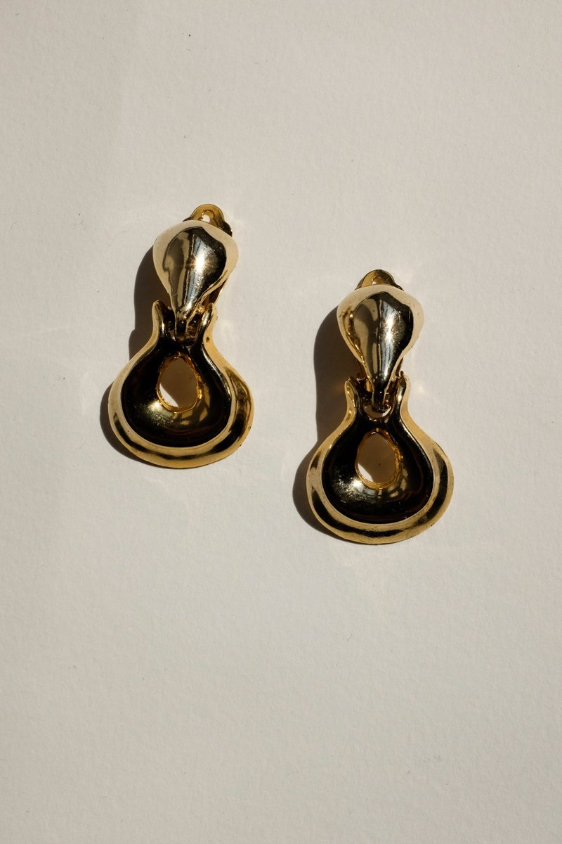 0254_VINTAGE BOLD GOLD EARRINGS
