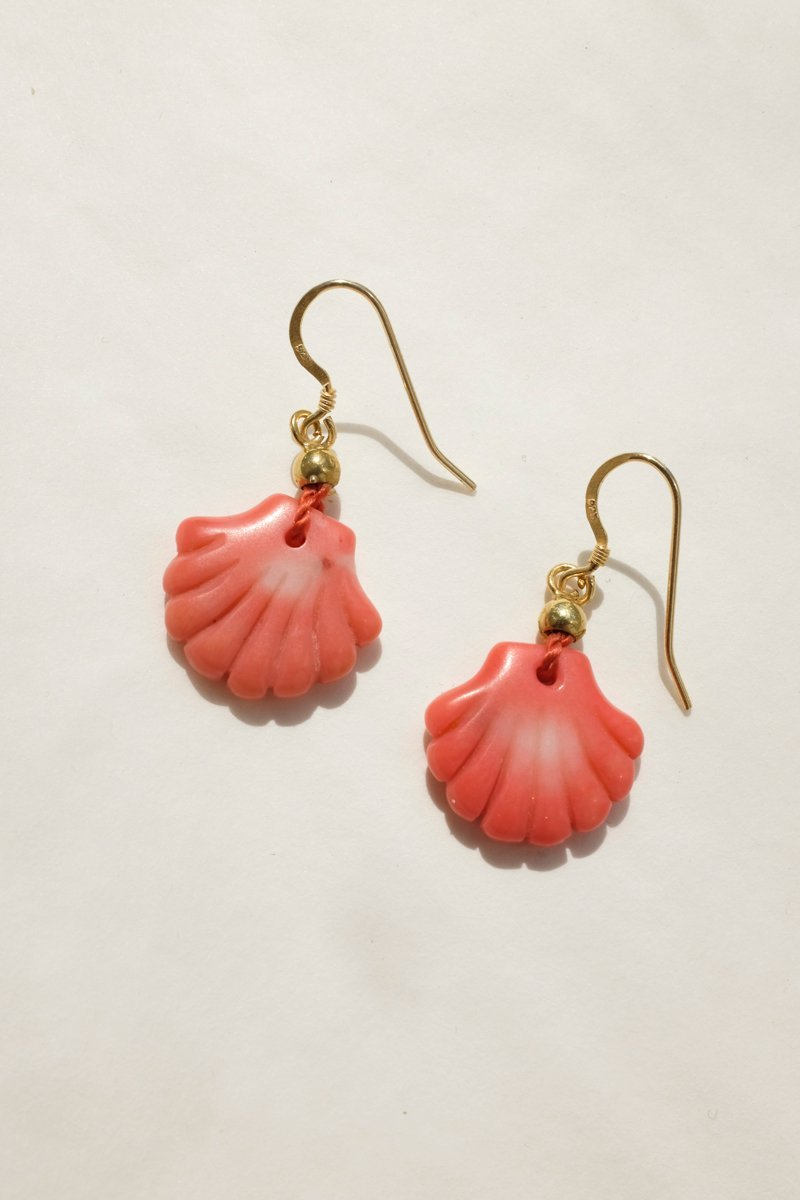 0248_SHELL VINTAGE CORAL EARRINGS