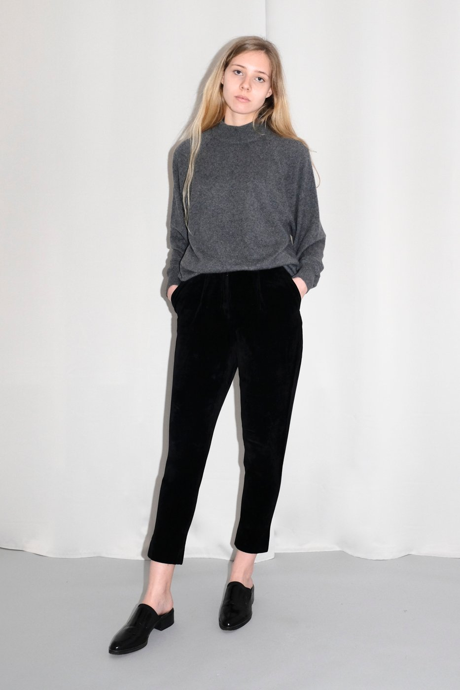 0308_CASHMERE GREY MOCK NECK SWEATER