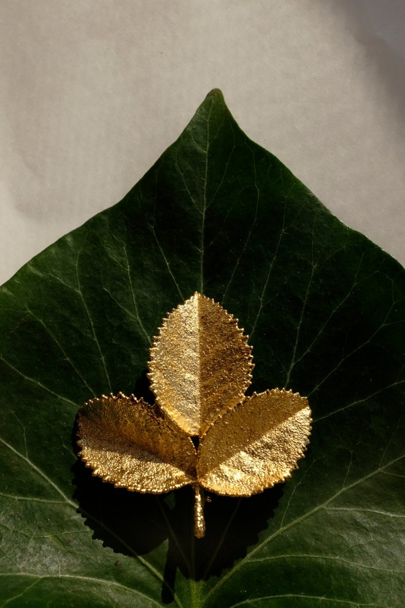 0138_LEAF VINTAGE BROOCH
