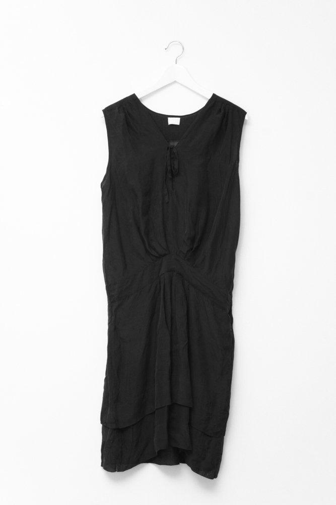 0665_LALA BERLIN BLACK SILK DRESS