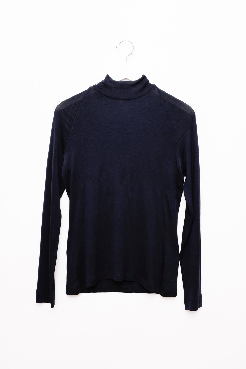 0379_ESCADA SILK NIGHTBLUE THIN TURTLE SWEATER