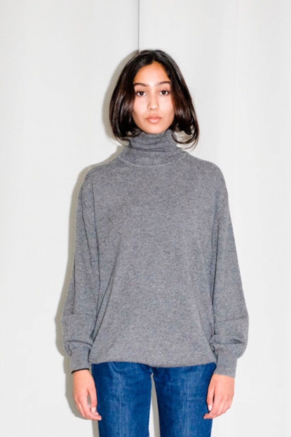 0347_GREY CASHMERE TURTLE NECK SWEATER