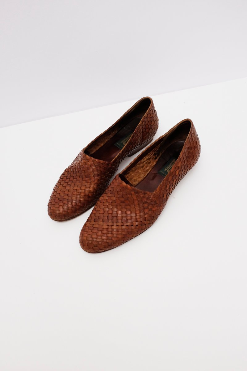 0252_BRAIDED LEATHER SLIPPERS 38 VINTAGE
