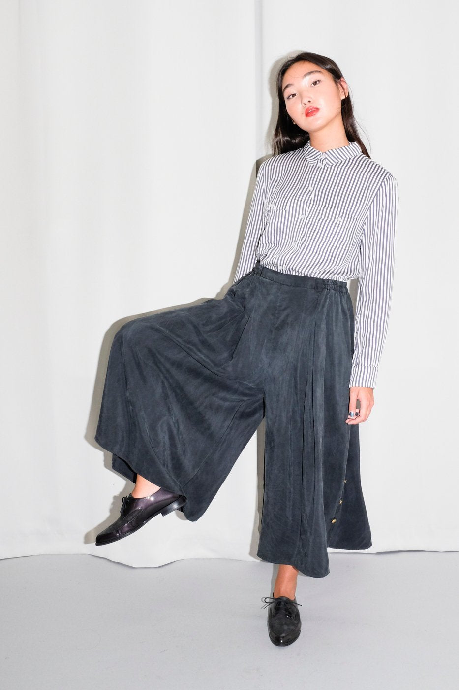 0467_SILK GREY SKIRT PANTS CULOTTE // M-L