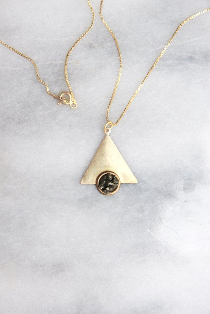 0688_PYRITE TRIANGLE GOLD PLATED STERLING SILVER 925 NECKLACE