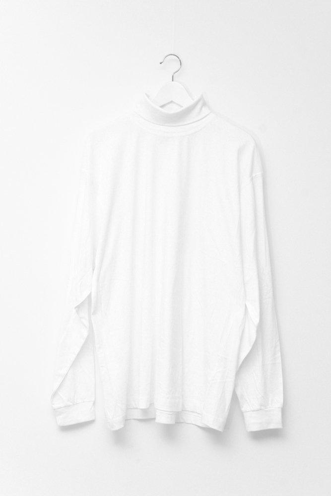 0161_WHITE OVERSIZED TURTLE NECK SWEATER