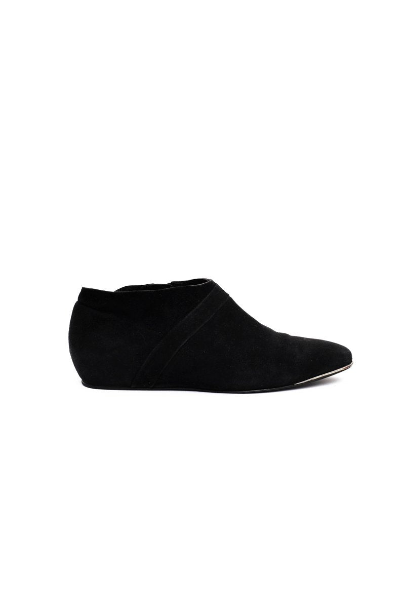0566_CHLOÉ 39 BLACK SUEDE LEATHER SLIP-ON BOOTS