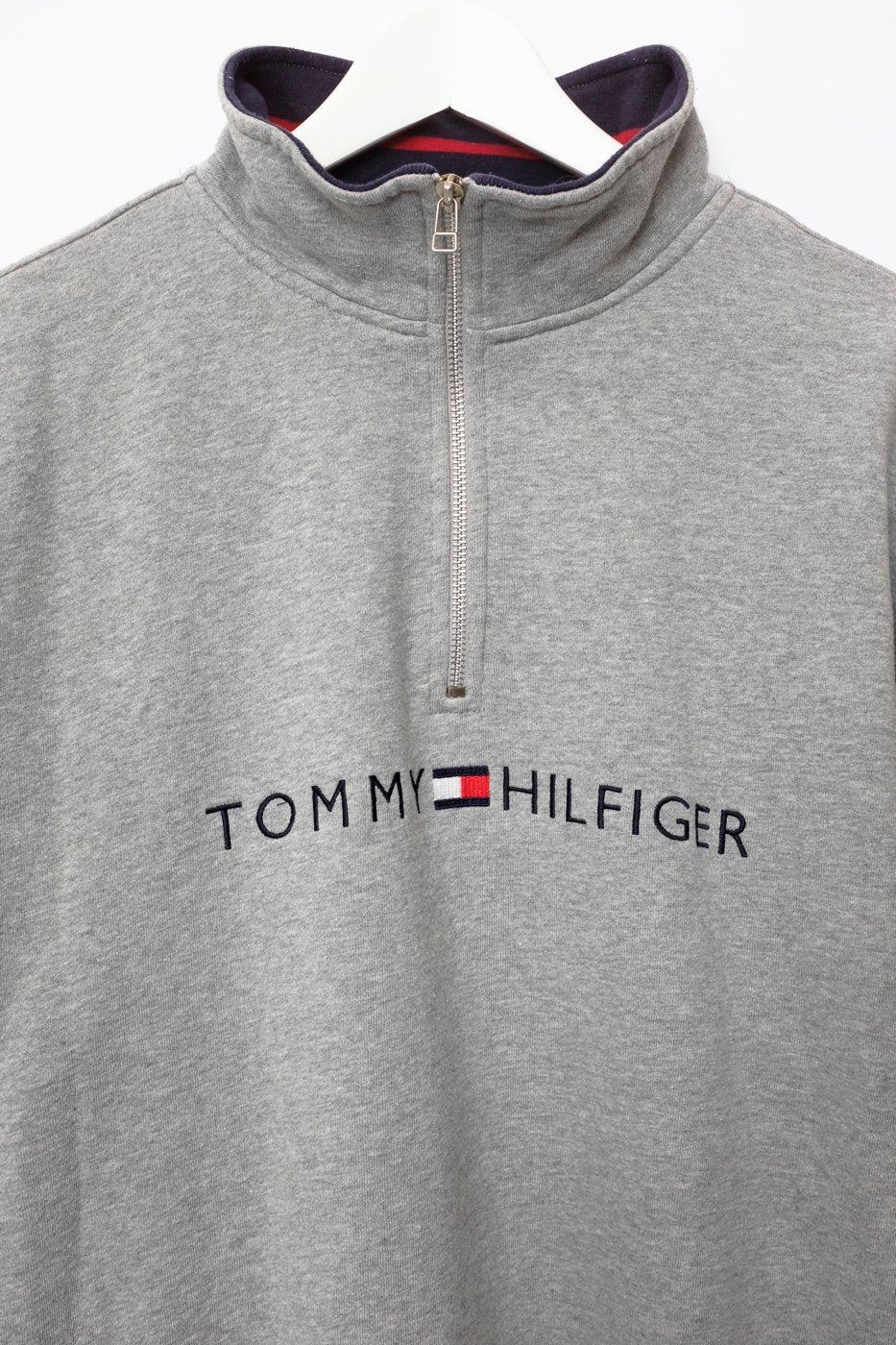 0527_TOMMY HILFIGER VTG SWEATER