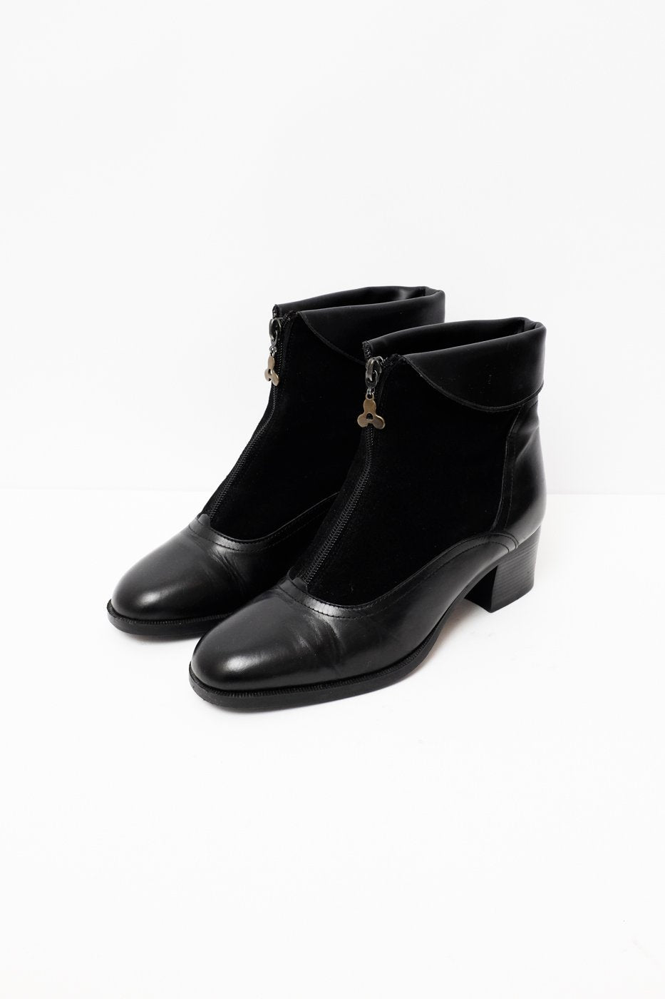 0293_ZIP BLACK LEATHER SUEDE BOOTIES