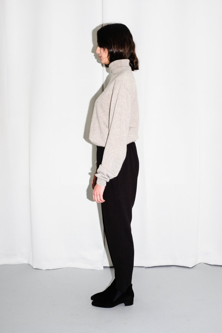 0644_NUDE CASHMERE ROLL NECK SWEATER