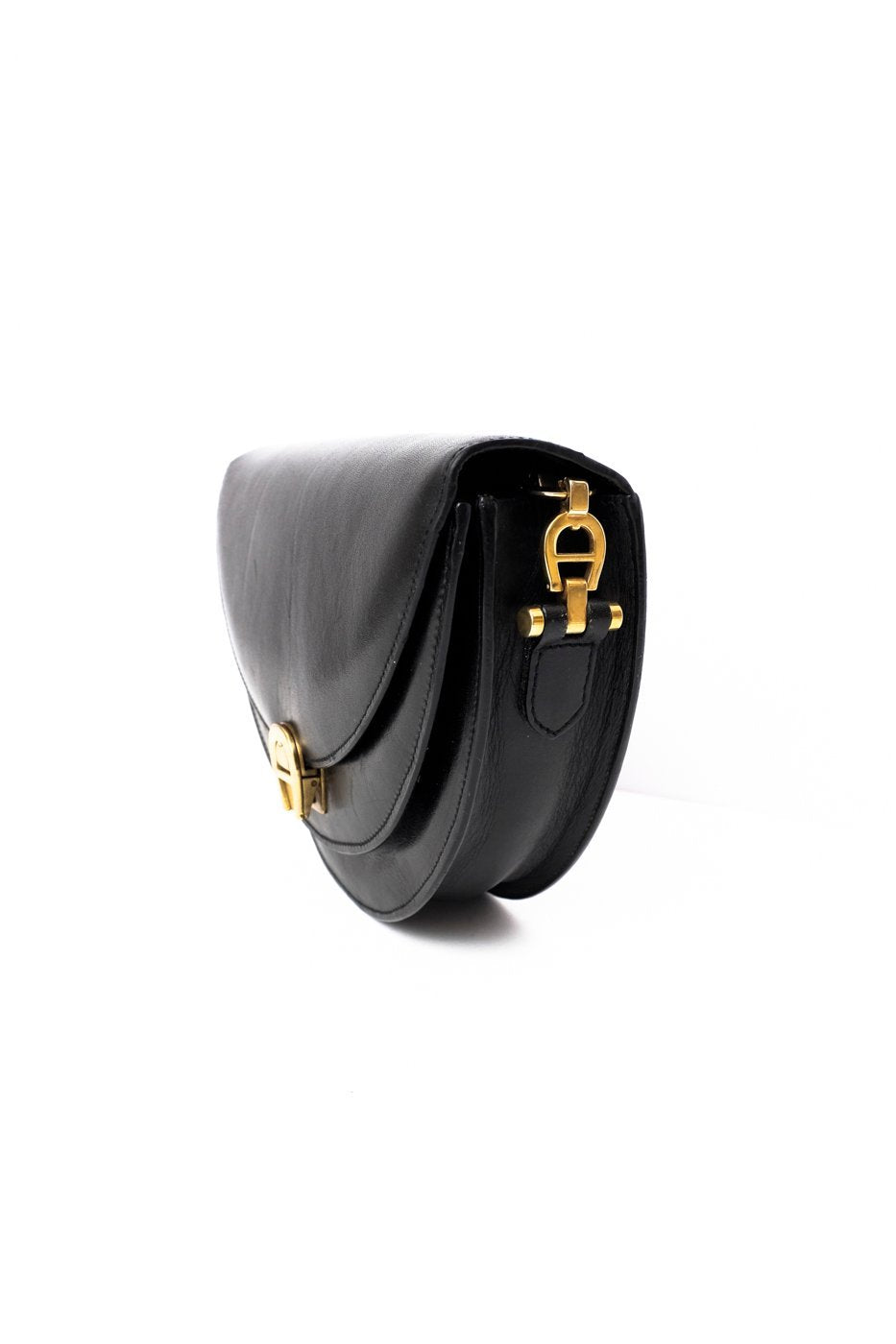0399_AIGNER BLACK HALF MOON BAG