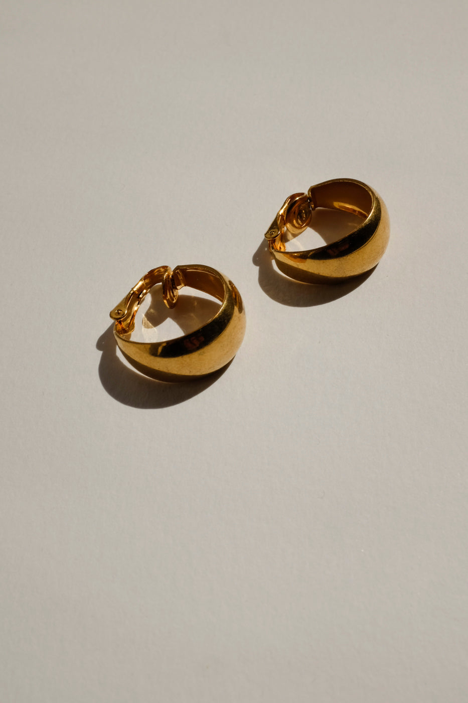 0001_VINTAGE GOLD SMALL HOOPS