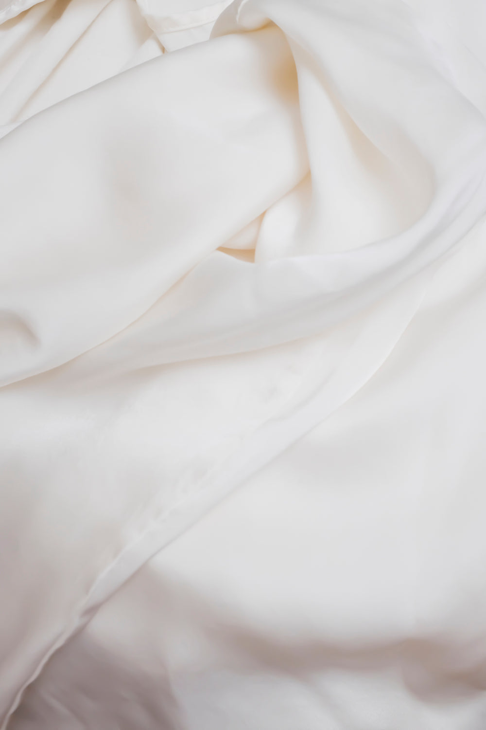 0001_LIQUID SILK WHITE TOP