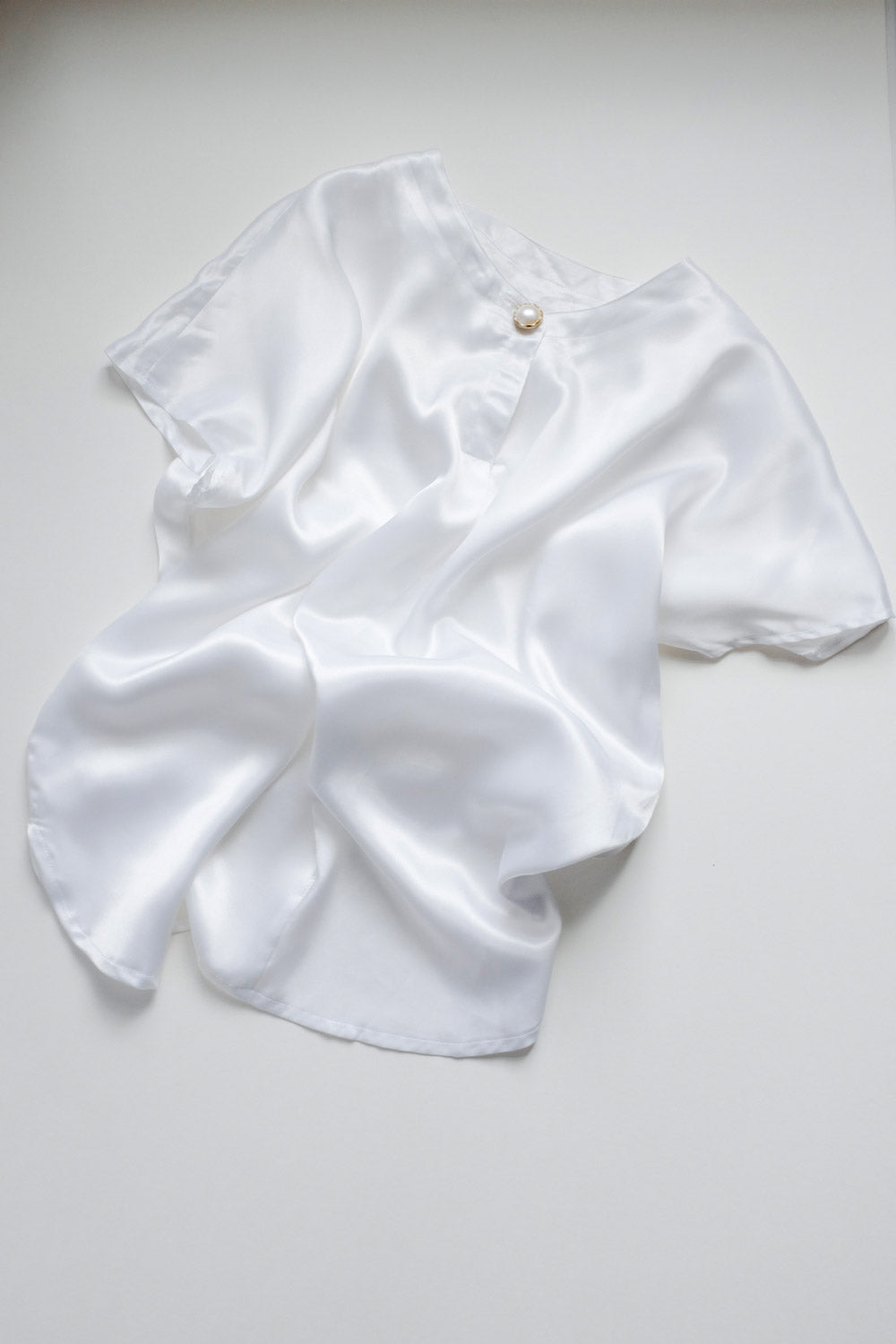 0016_LIQUID SATIN VINTAGE BLOUSE