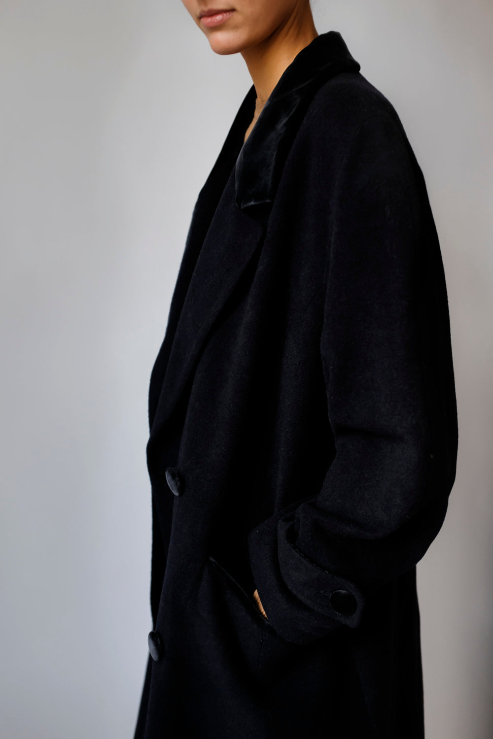 0017_DOUBLE BREASTED NAVY WOOL COAT