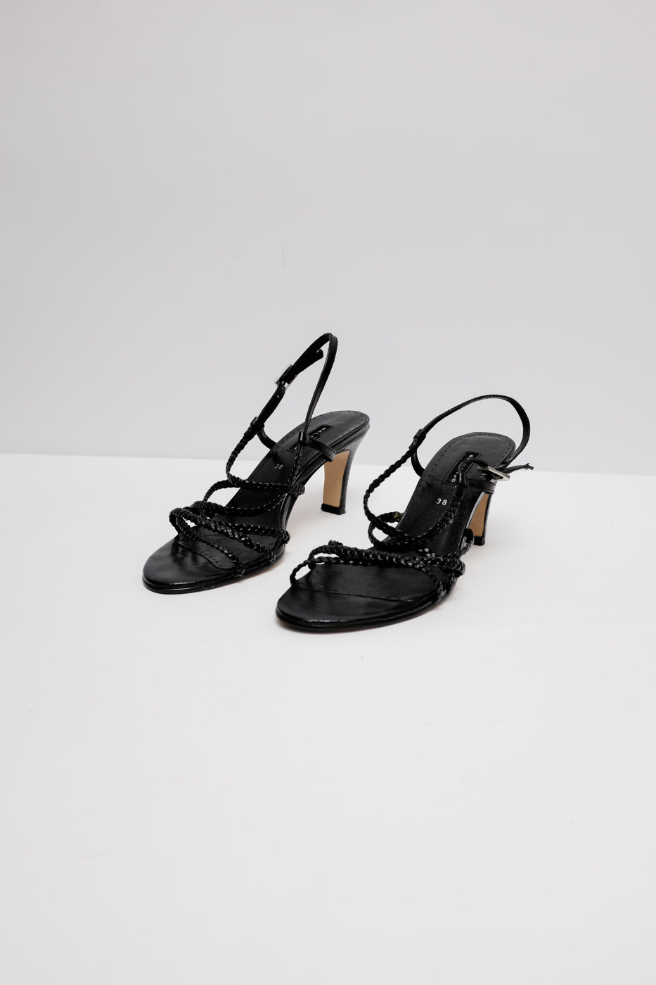 0007_STRAPPY LEATHER PUMPS 38