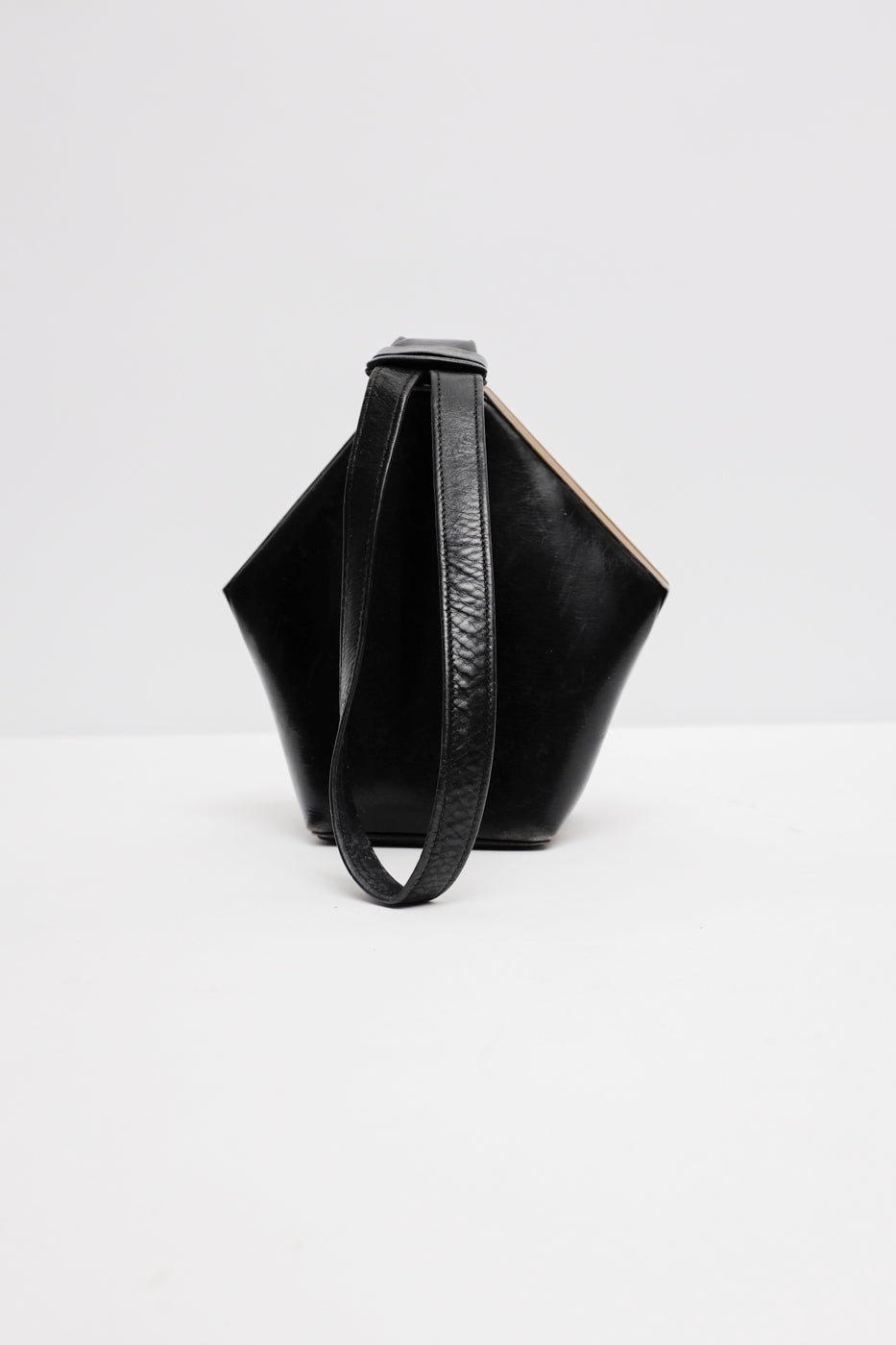 0003_DIAMOND VINTAGE HANDBAG