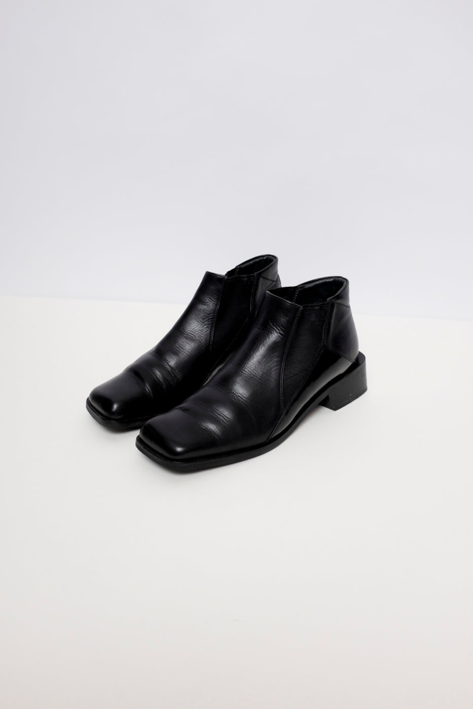 0010_SQUARE TOE BLACK 37 LEATHER CHELSEA BOOTS