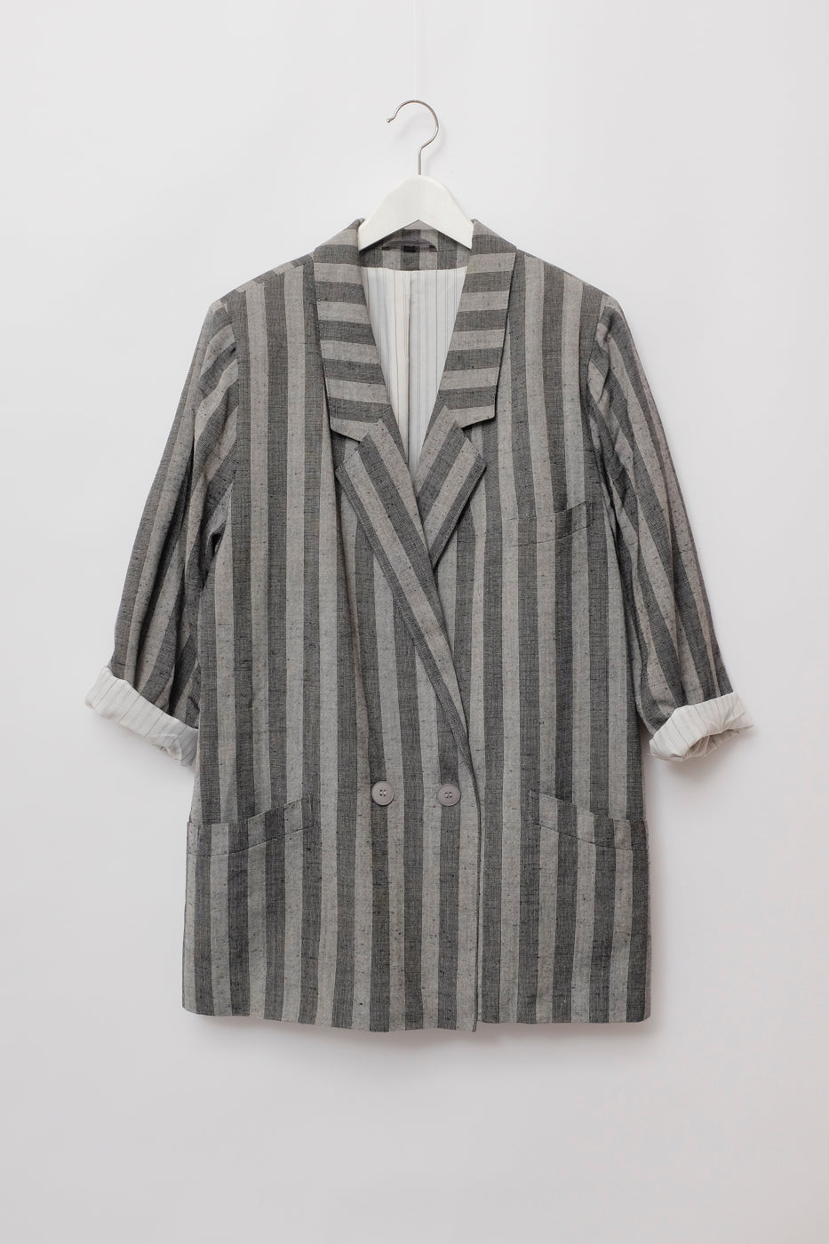 0005_PINSTRIPES OVERSIZED LONG BLAZER