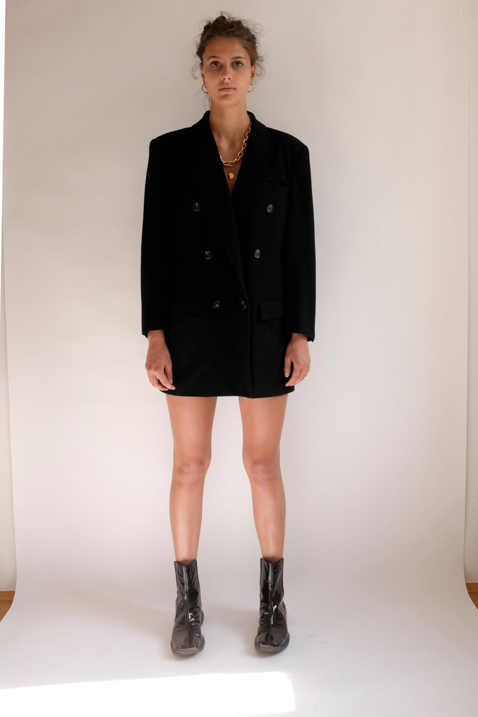 0005_BLACK WOOL BLAZER