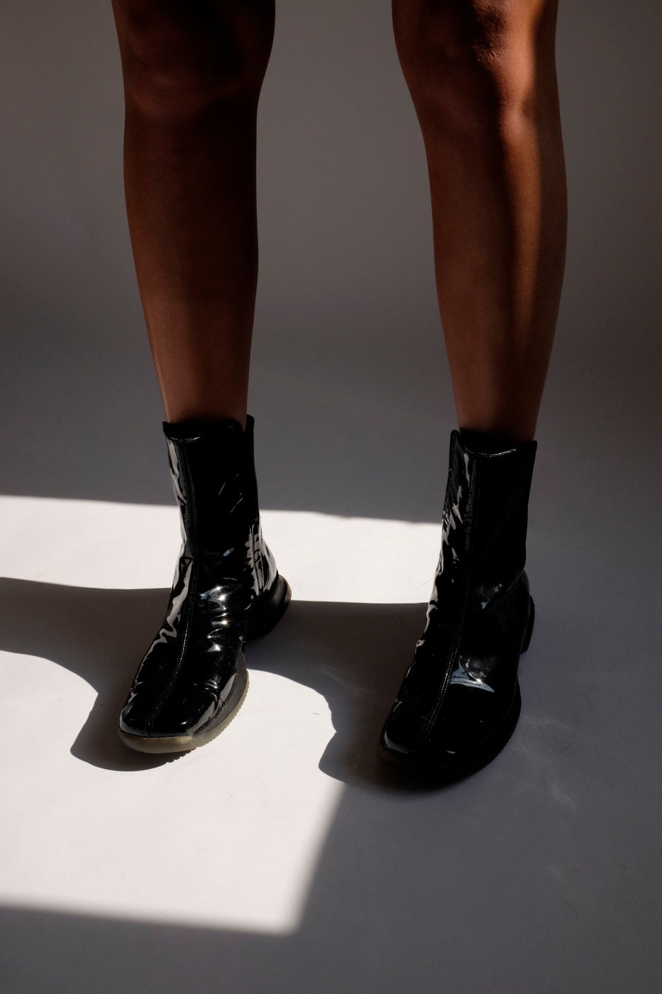 0005_DERBY PATENT LEATHER BOOTS 40