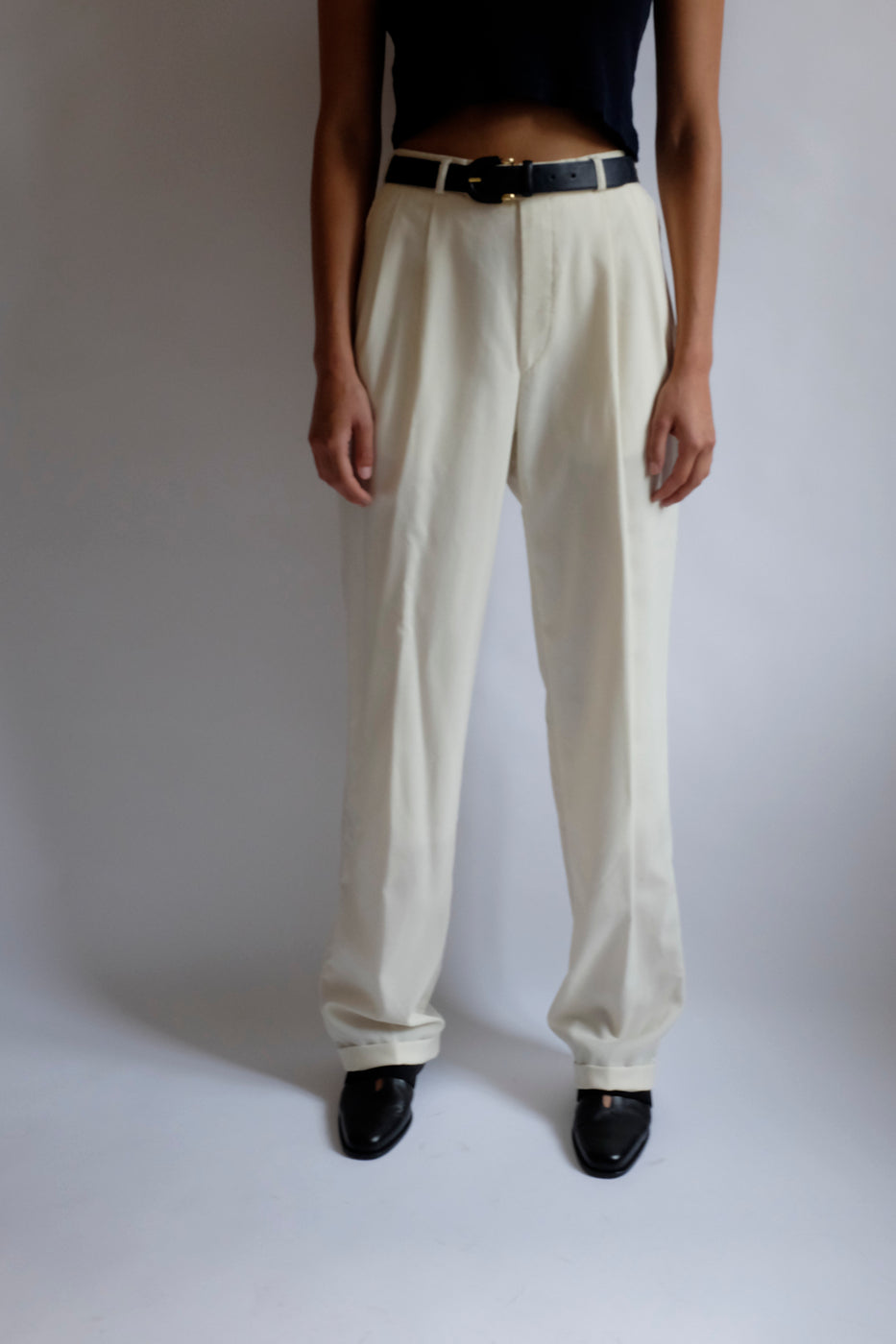 0005_CREAM PLEATED WOOL PANTS