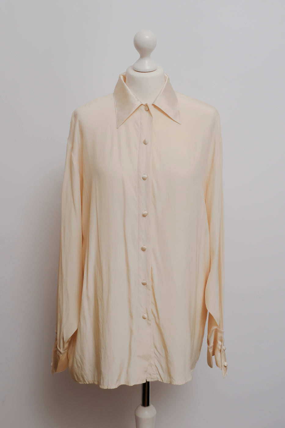 0005_LIQUID SILK OVERSIZE BLOUSE