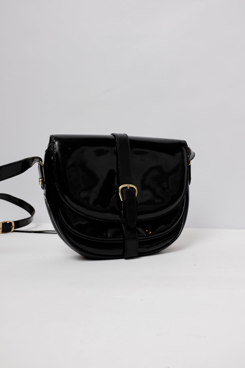 0005_PATENT LEATHER AIGNER BAG