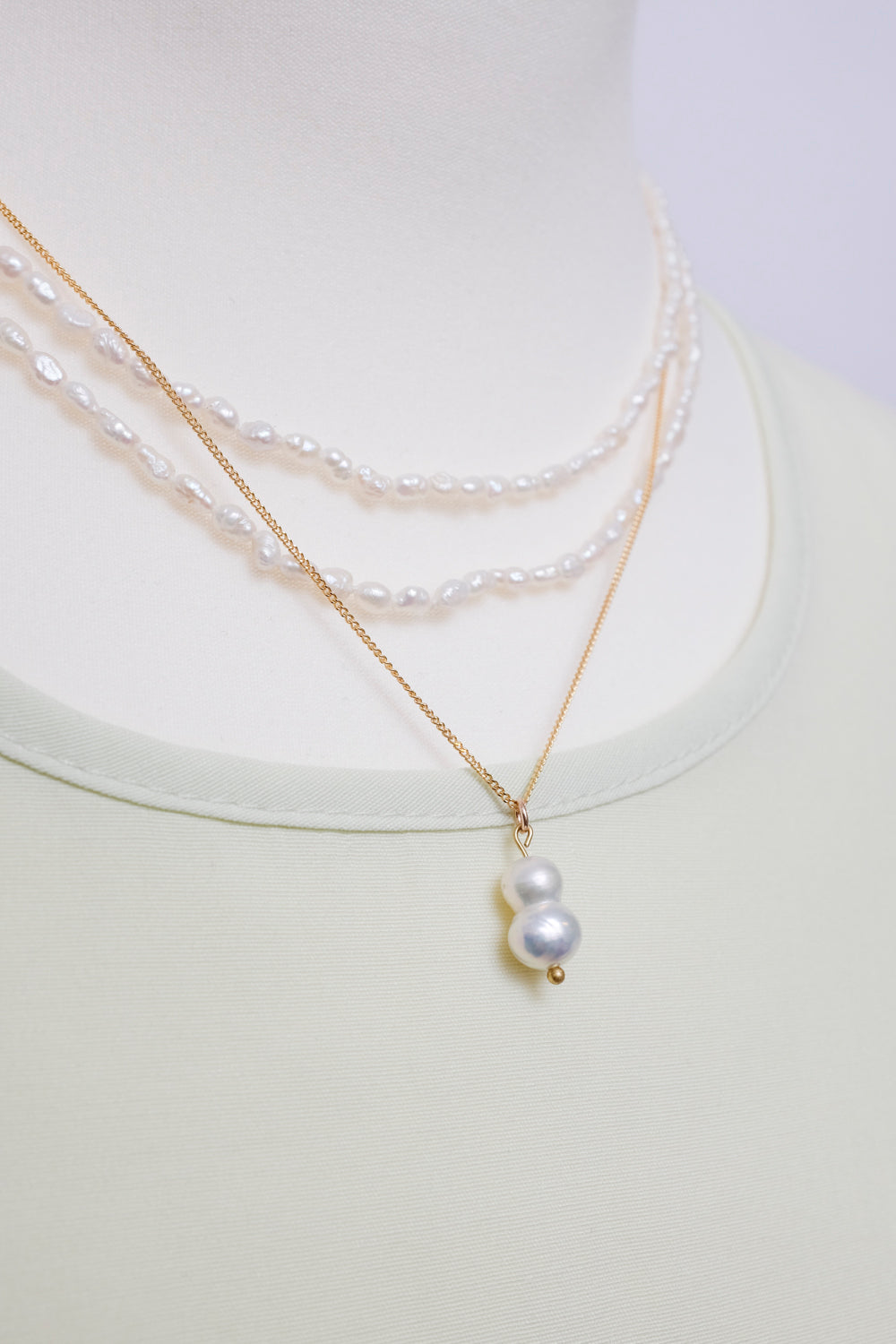 0015_MOTHER OF PEARL 925 GOLD NECKLACE
