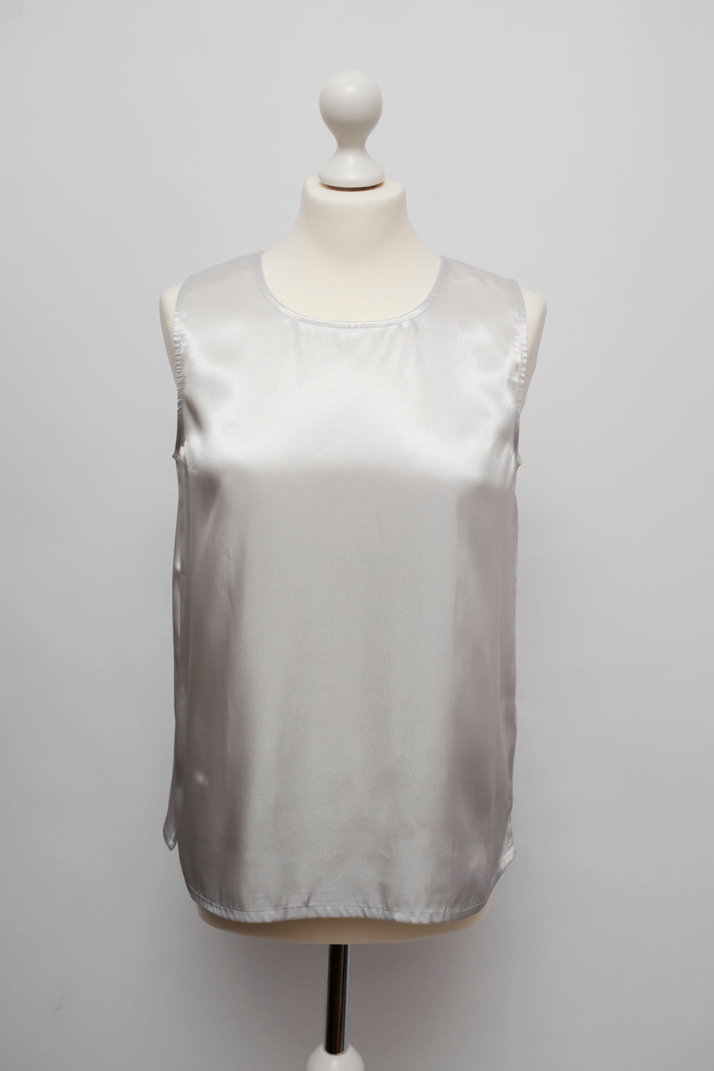 0015_LIQUID SATIN SILVER TOP