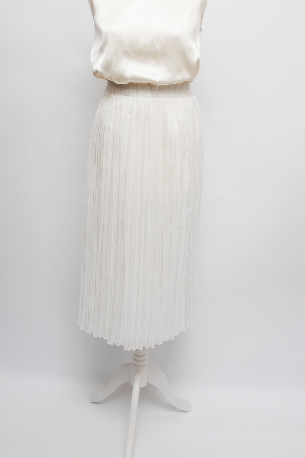 0015_VINTAGE WHITE PLEATED MIDI SKIRT