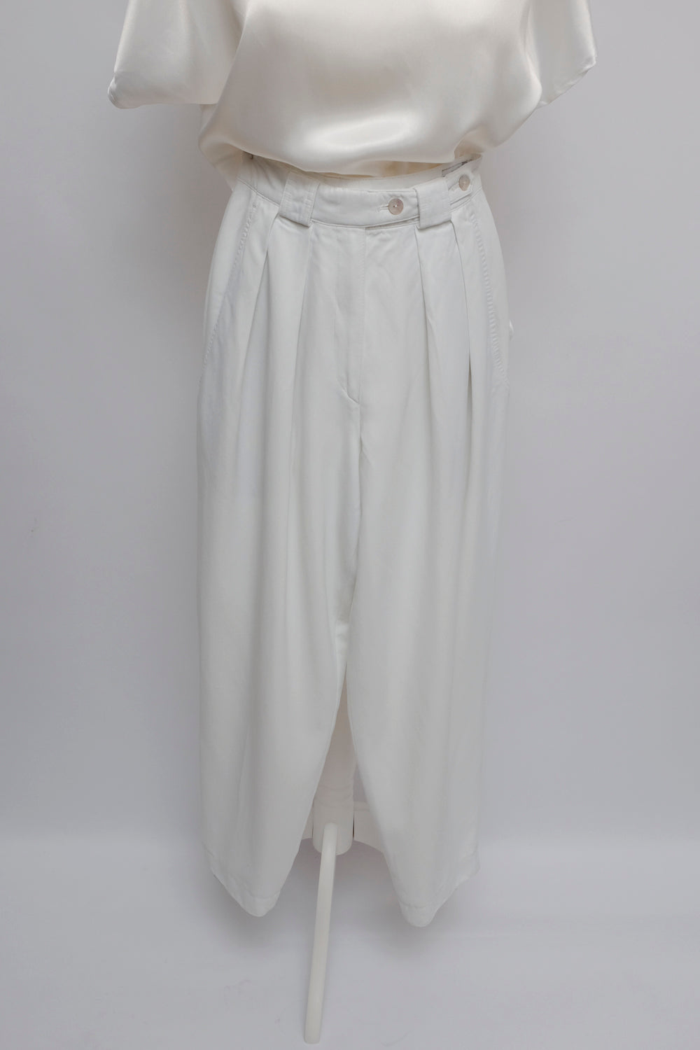 0015_PLEATED WHITE VINTAGE PANTS