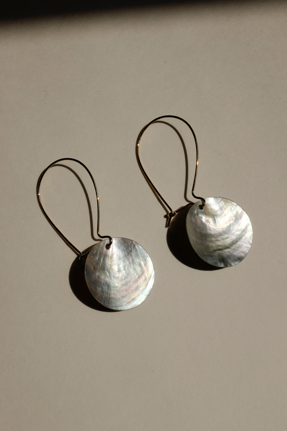 0015_SHELL MEDALLION EARRINGS