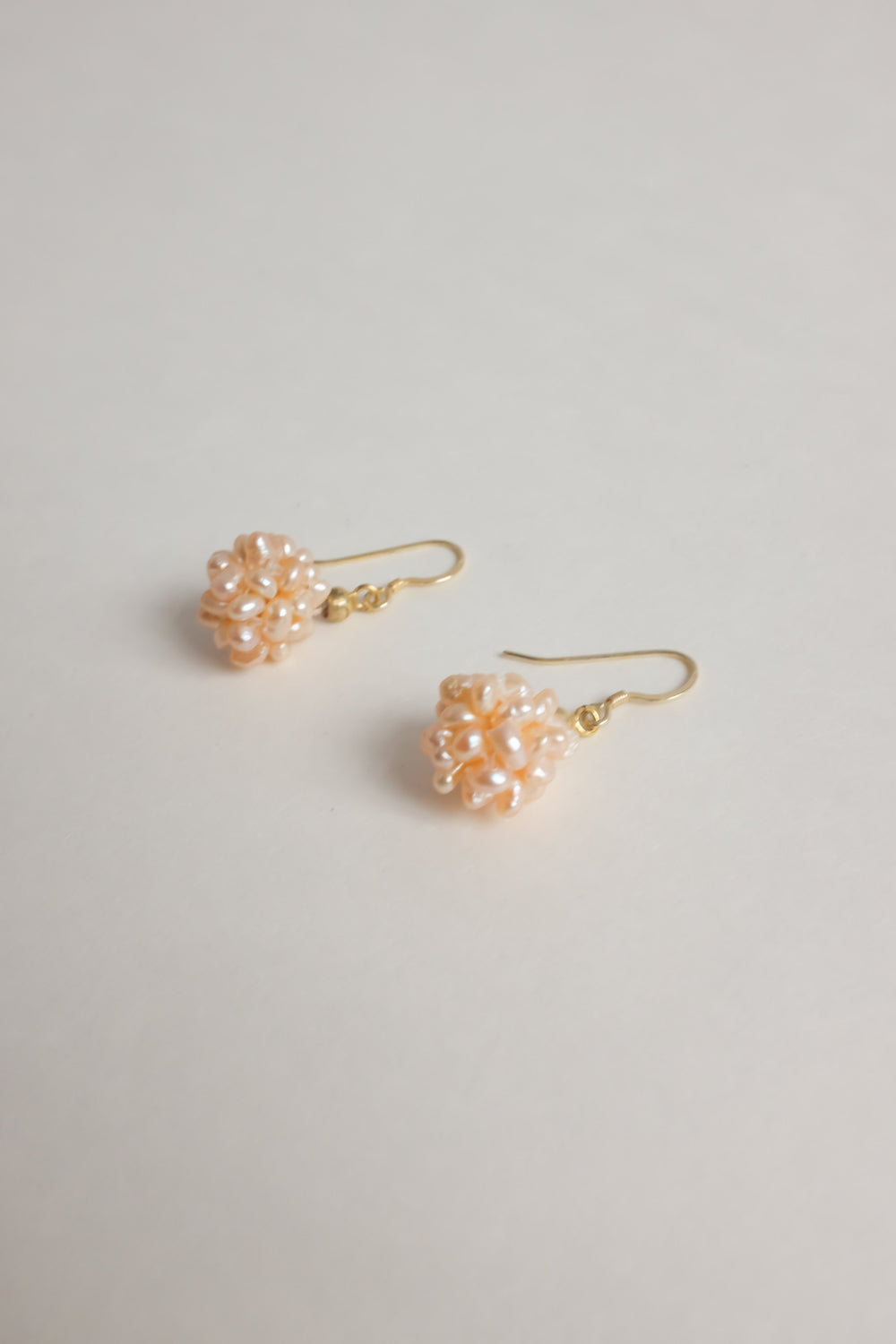0015_VINTAGE APRICOT PEARLS EARRINGS