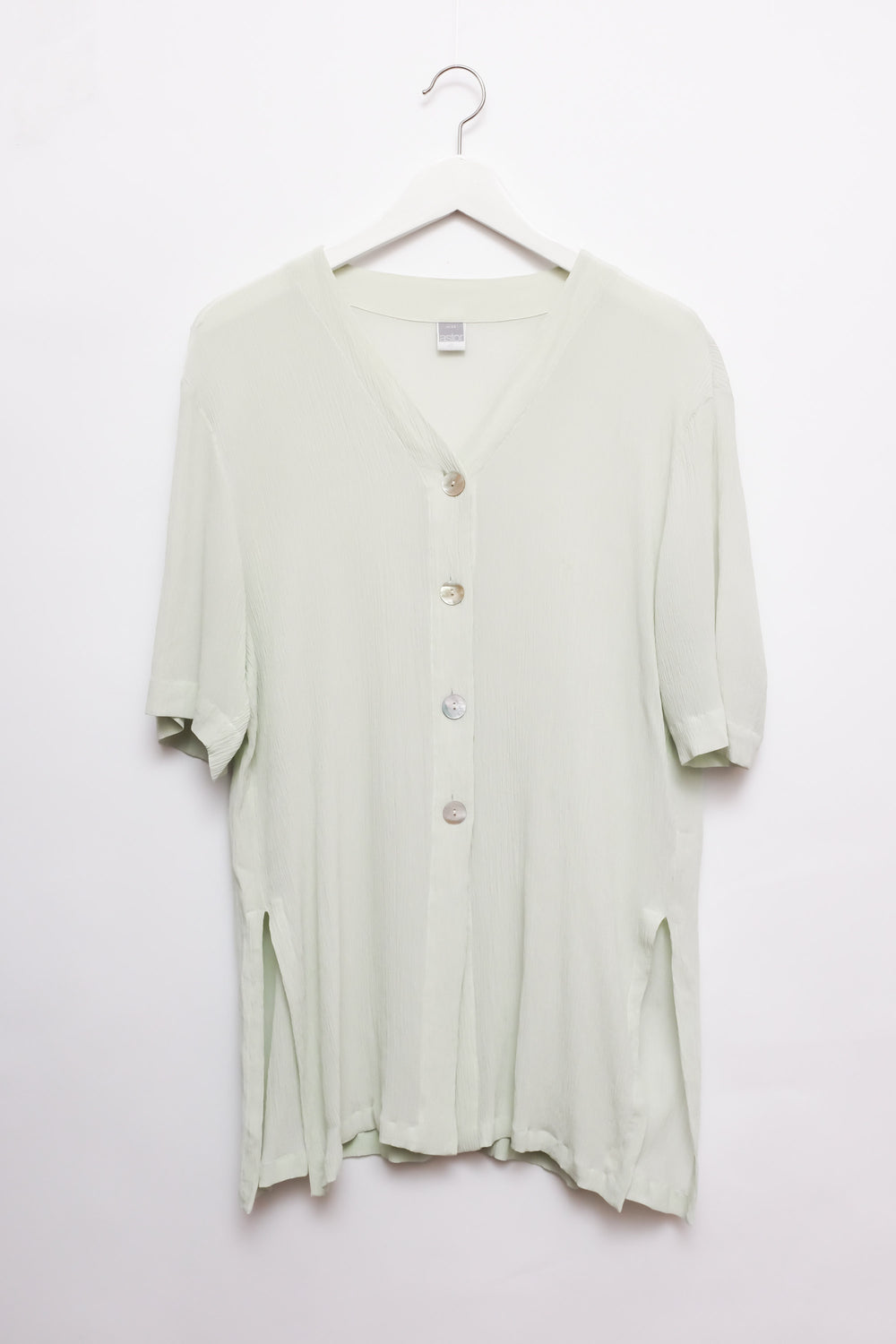 0015_SILK MINT SHELL BUTTON LONG BLOUSE
