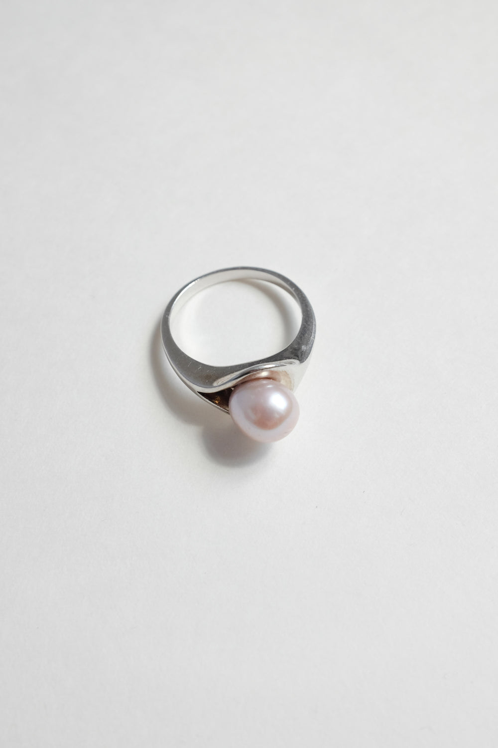 0015_ROSE PEARL STERLING SILVER VINTAGE RING