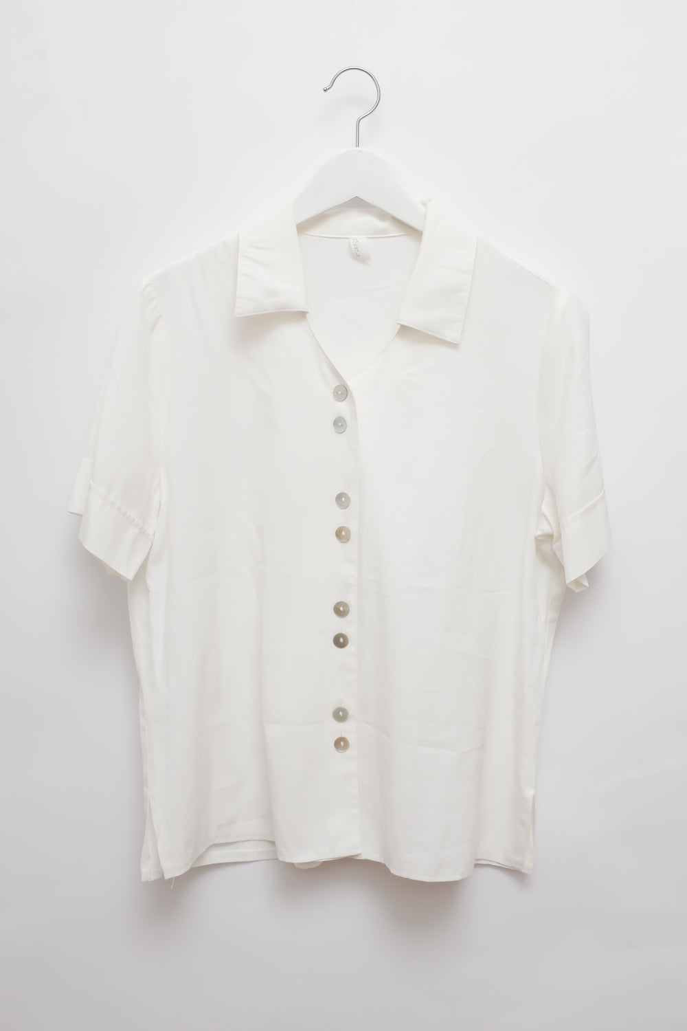 0015_WHITE VISCOSE BLOUSE