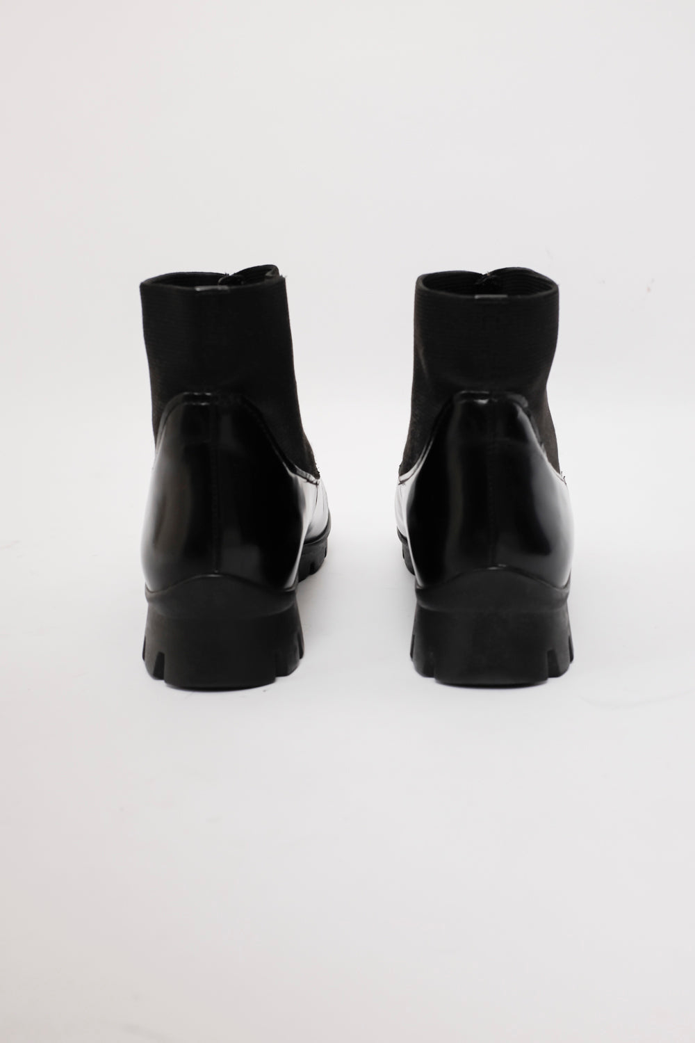 0022_DERBY PATENT LEATHER BOOTS 38