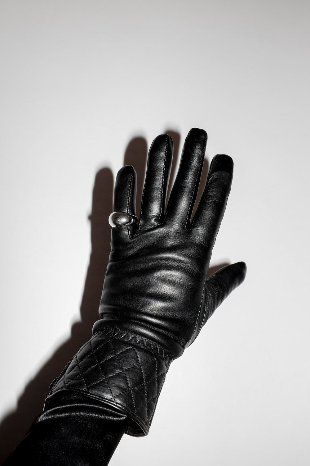 0019_WARM BLACK LEATHER GLOVES