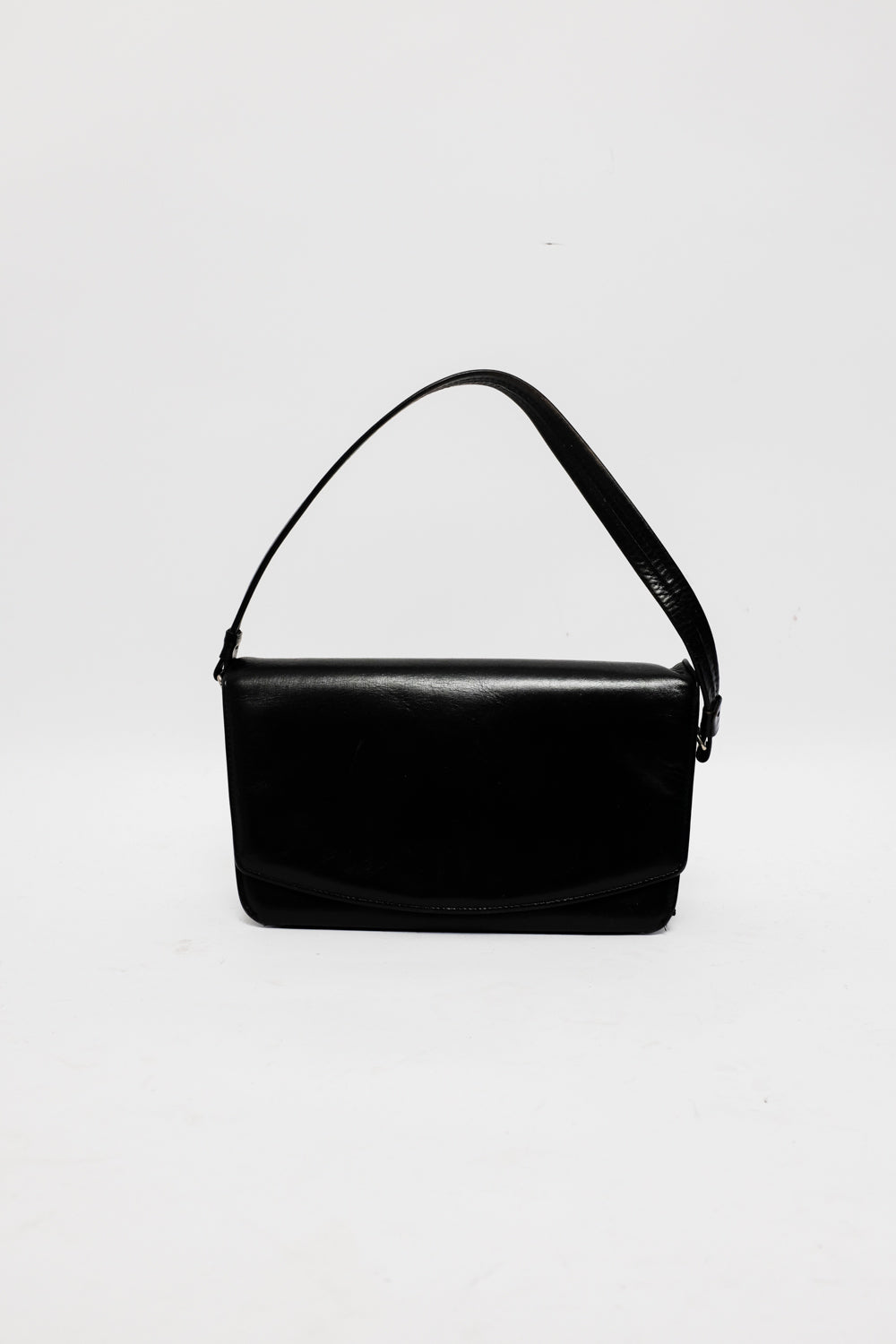 0021_SIMPLE UNDER ARM LEATHER BAG