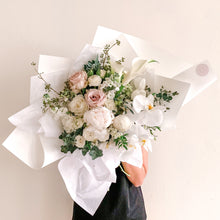 Load image into Gallery viewer, Signature natural nude bouquet