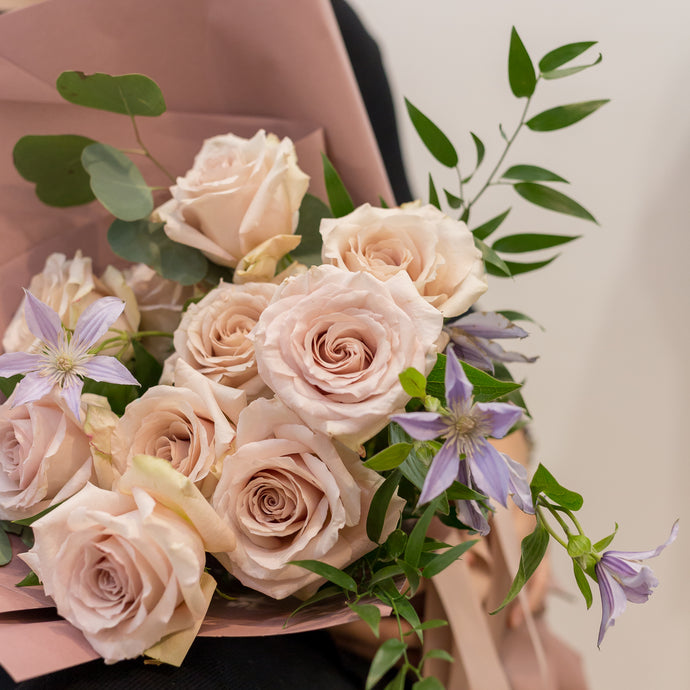 Bouquet of 10 Quicksand Roses